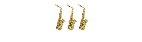3 saxophones